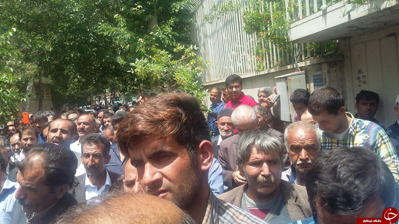 دامداران استان اصفهان با قرائت قطعنامه ای به تجمع خود پایان دادند