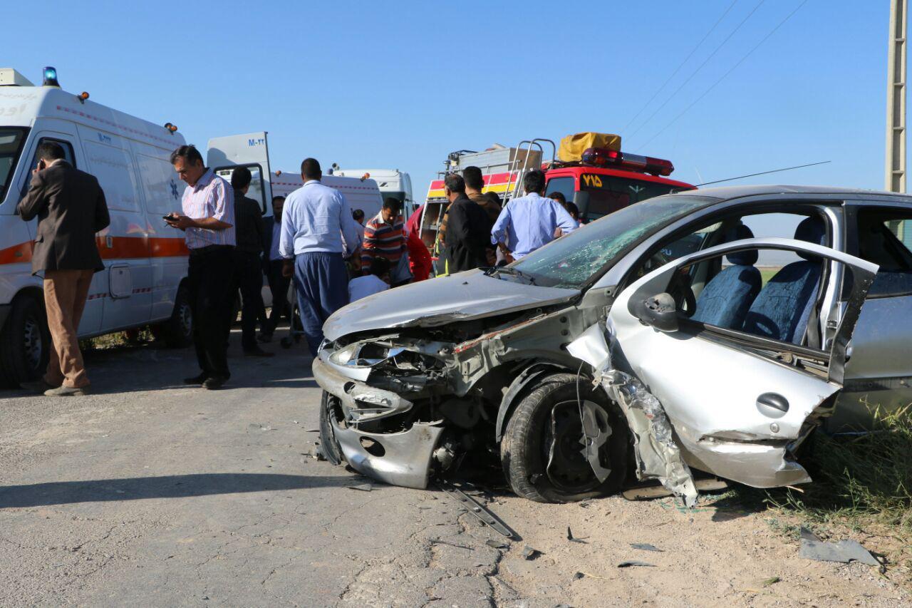 برخورد دو خودرو در حومه مشهد ، چهار مصدوم بر جای گذاشت
