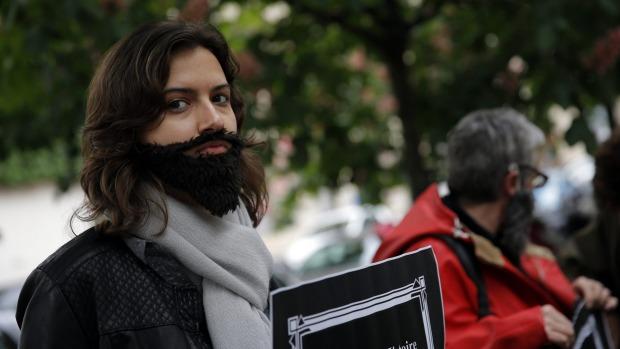 وقتی پرده فساد اخلاقی در صحنه سیاسی فرانسه کنار زده میشود/ سوءاستفاده از زنان تا کجا؟+تصاویر