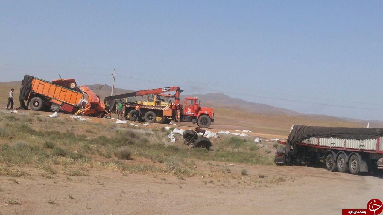 برخورد مرگبار کامیون بنز و تریلر + تصاویر