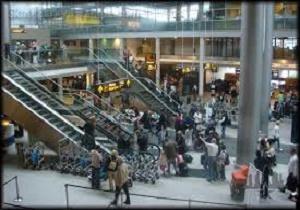 موج وحشت در اروپا؛ تخلیه فرودگاه جان لنون انگلیس