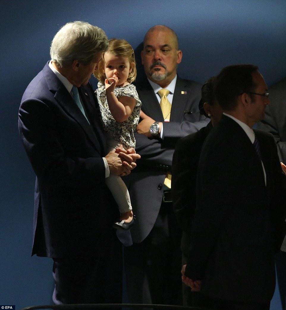 توجه رسانه های خارجی به حضور نوه جان کری در جلسه رسمی سازمان ملل+ فیلم و تصاویر