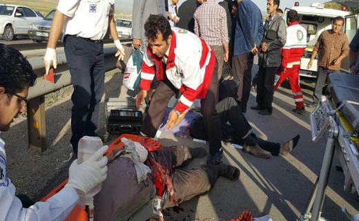 واژگونی خونین مینی بوس در جاده کرمانشاه 10 مجروح بجای گذاشت