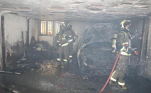 نجات سه شهروند در آتش سوزی یک ساختمان مسکونی+تصاویر