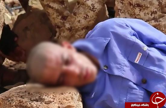 شیوه فجیع اعدام زندانیان از سوی داعش/ کوبیدن سنگ به سر اسرا +تصاویر 18+