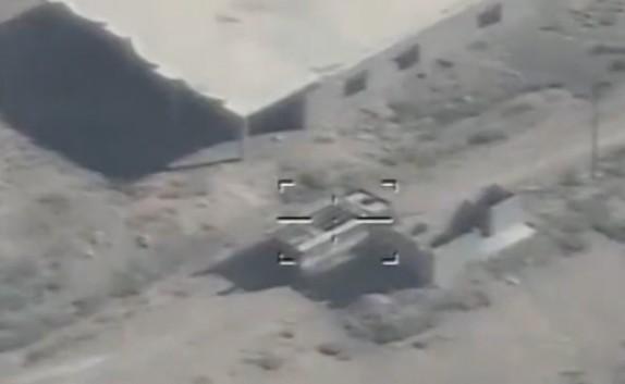 باشگاه خبرنگاران - لحظه انهدام تجهیزات تروریست های داعش در بیجی + فیلم