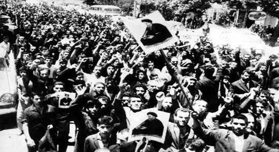 قیام15خرداد نقطه عطف مبارزات ملت ایران با رژیم شاهنشاهی/ آشکار شدن ماهیت رژیم شاهنشاهی برای مردم