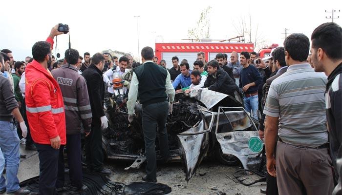 Image result for تماشاگری در تصادف