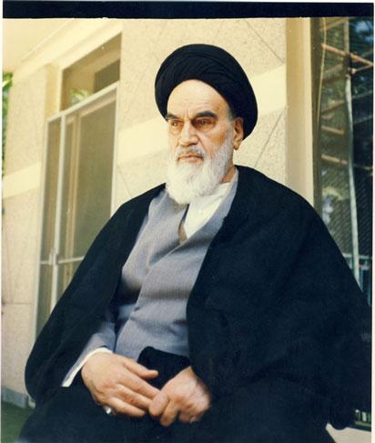 امام خمینی(ره): به جای سفر به مکه و مدینه و عتبات، ایران را بسازید