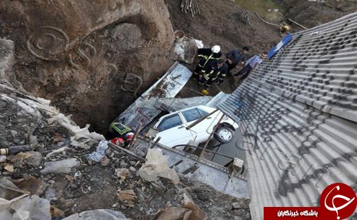 سقوط پراید به داخل گودال زیرگذر در حال ساخت+تصاویر