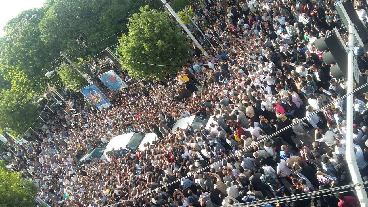 از حضور کمرنگ بانوان تا سرودن شعر در وصف احمدی نژاد+تصاویر