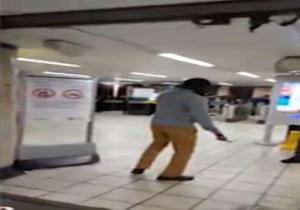 دانلود فیلم حملهی خونین یک تروریست داعشی به مسافران متروی لندن