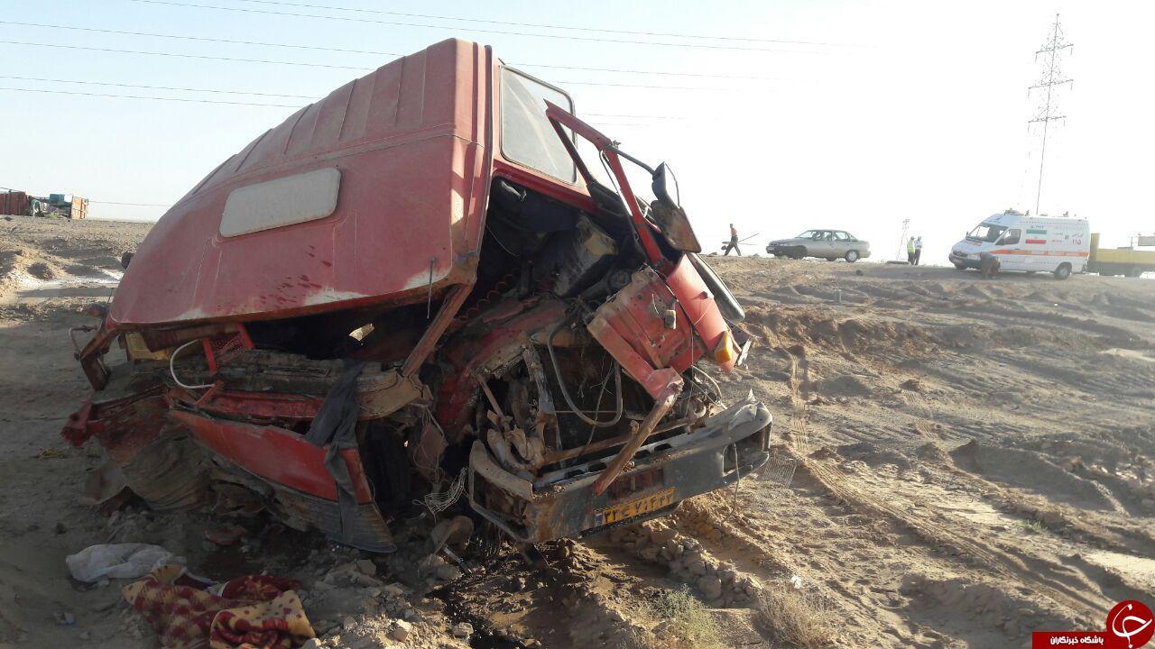 مرگ دلخراش راننده تریلی زیر سنگ 20 تنی + تصاویر (18+)