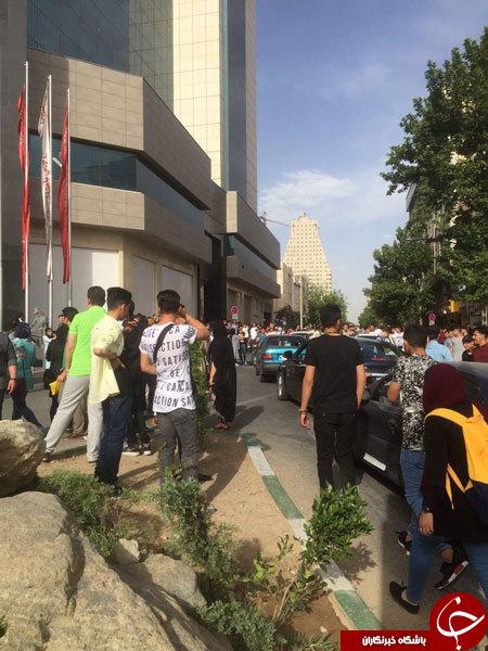 خواب نهادهای فرهنگی و امنیتی در پس فراخوان دیروز غرب تهران/ اگر تلگرام در سال 88 بود چه میشد؟!+عکس