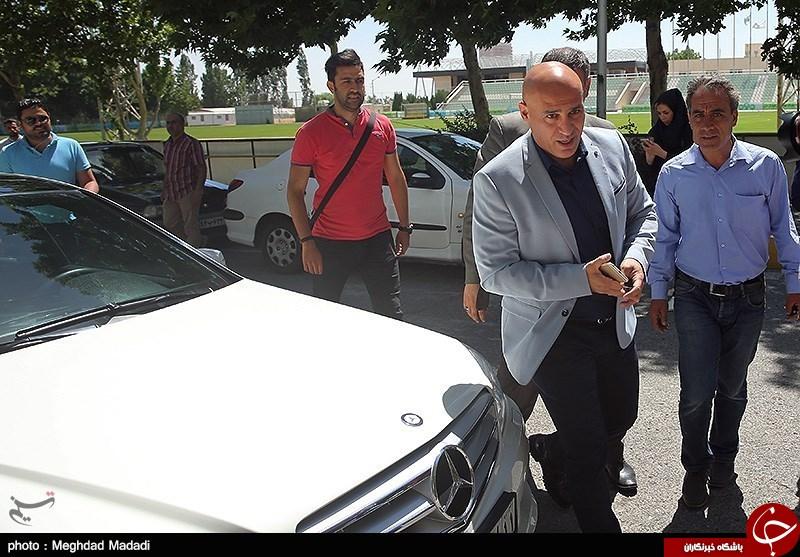 تصاویر/ ماشین علیرضا منصوریان