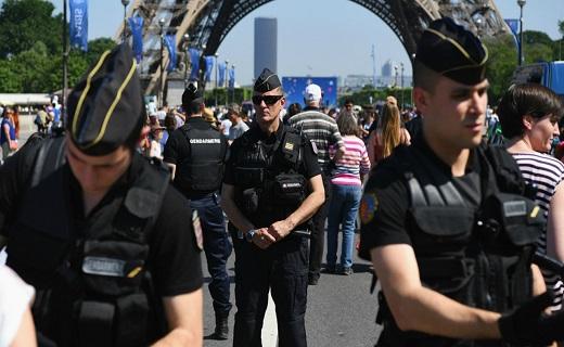 فرانسوی ها آماده برگزاری افتتاحیه یورو + تصاویر