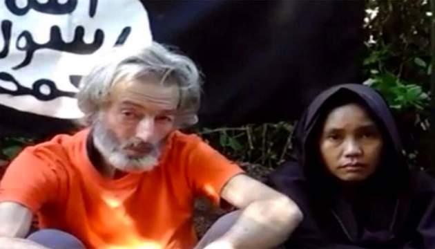 انتشار ویدئوی گردنزنی وحشیانه گروگان کانادایی از سوی داعش+ تصاویر