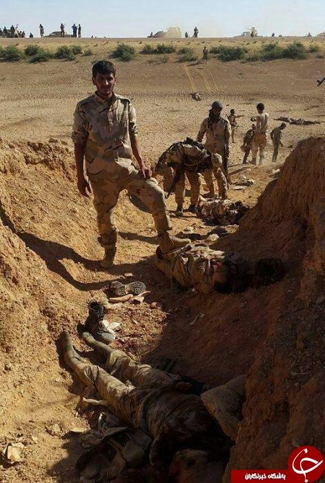 داعش در منطقه طبقه سوریه تار و مار شد + عکس