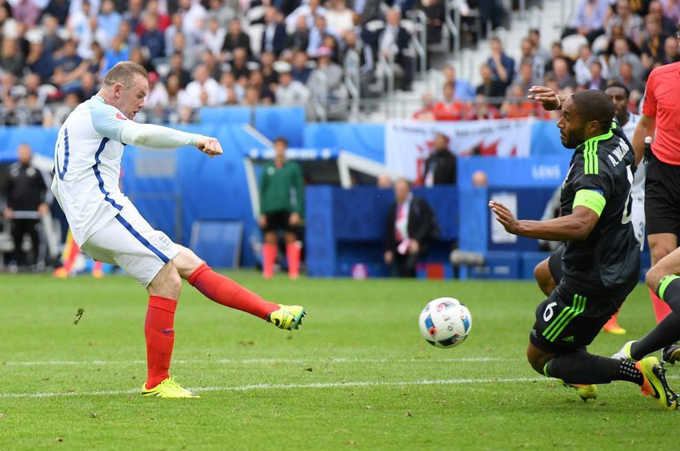 انگلیس 2 - ولز 1 / پیروزی انگلیس در نبرد بریتانیا با تعویض های طلایی + فیلم و گزارش تصویری