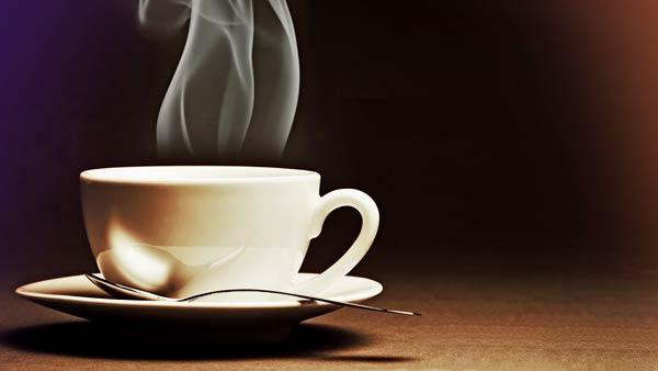 نوشیدن قهوه و چای داغ سرطان زا است!
