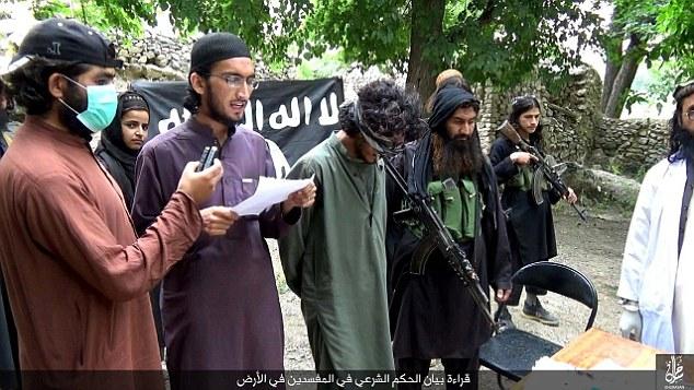 قطع دست و پای یک مرد متهم به سرقت بوسیله داعش+ تصاویر +16