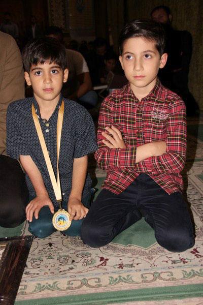 تقدیم مدال طلای جهان به فرزند شهید مدافع حرم+ تصاویر