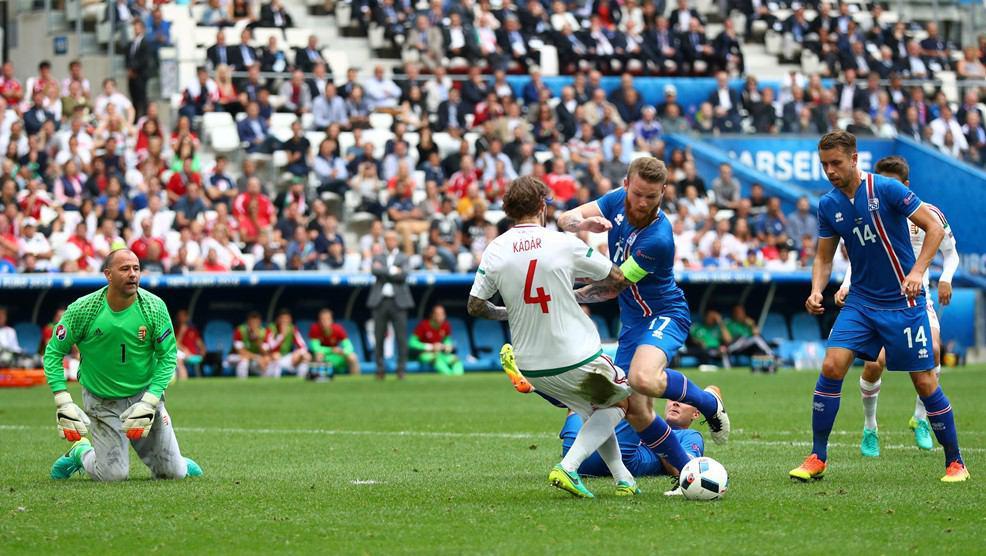 برتری ایسلند مقابل مجارستان تا پایان نیمه نخست