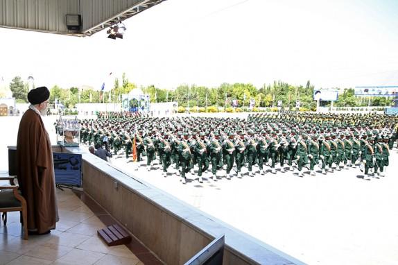 بیانات فرمانده کل قوا در مراسم دانشآموختگی دانشجویان دانشگاه امام حسین(ع) + تصاویر