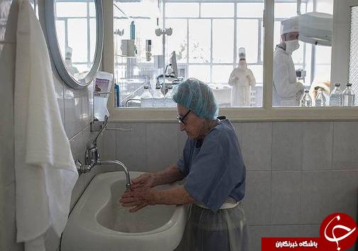 عکس/ پیرترین پزشک جراح جهان