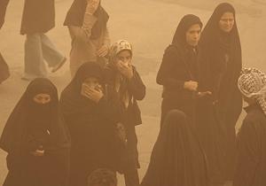 نیمی از مردم ایران از ریزگردها خفه میشوند/ باید فکری به حال مردم کرد