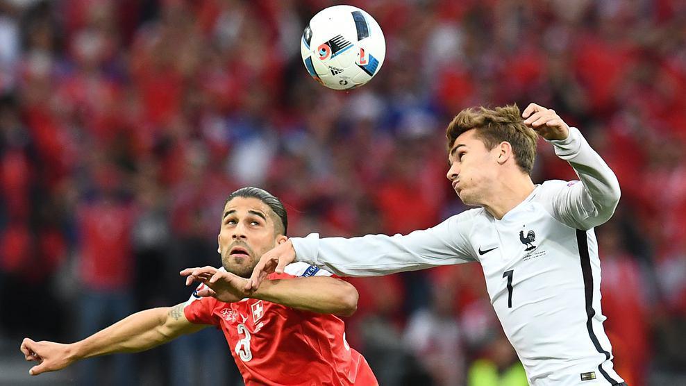 تساوی فرانسه و سوئیس در پایان نیمه نخست