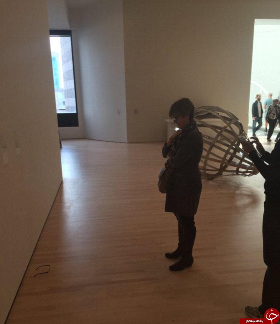 نوجوانی که باز دیدکنندگان موزه را سرکارگذاشت+تصاویر