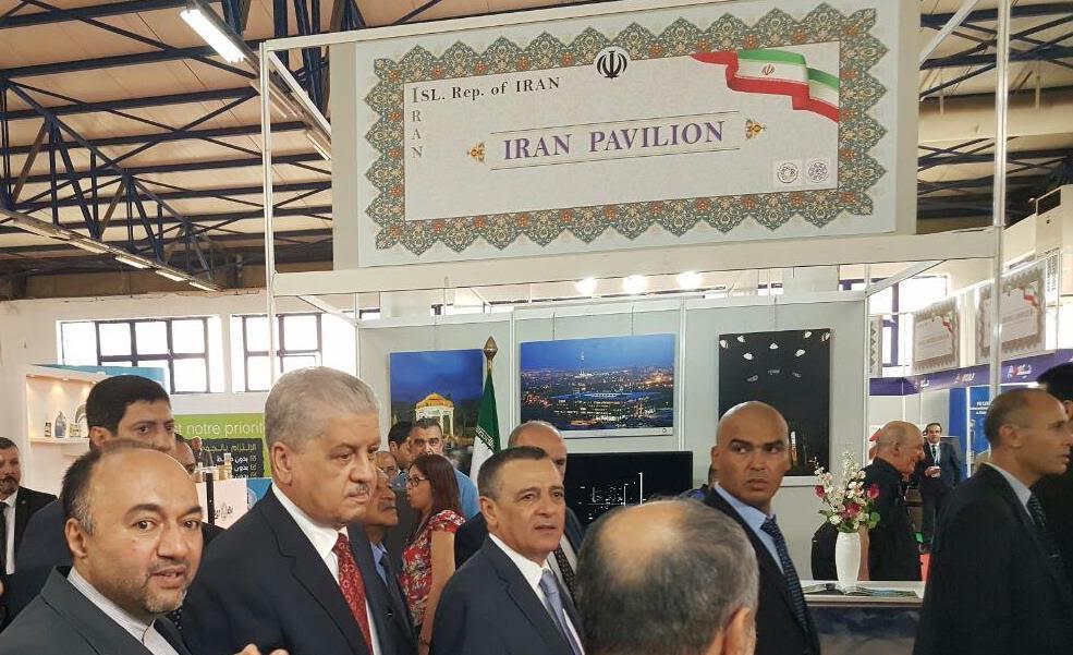 بازدید نخست وزیر الجزایر از غرفه ایران در نمایشگاه بینالمللی الجزایر