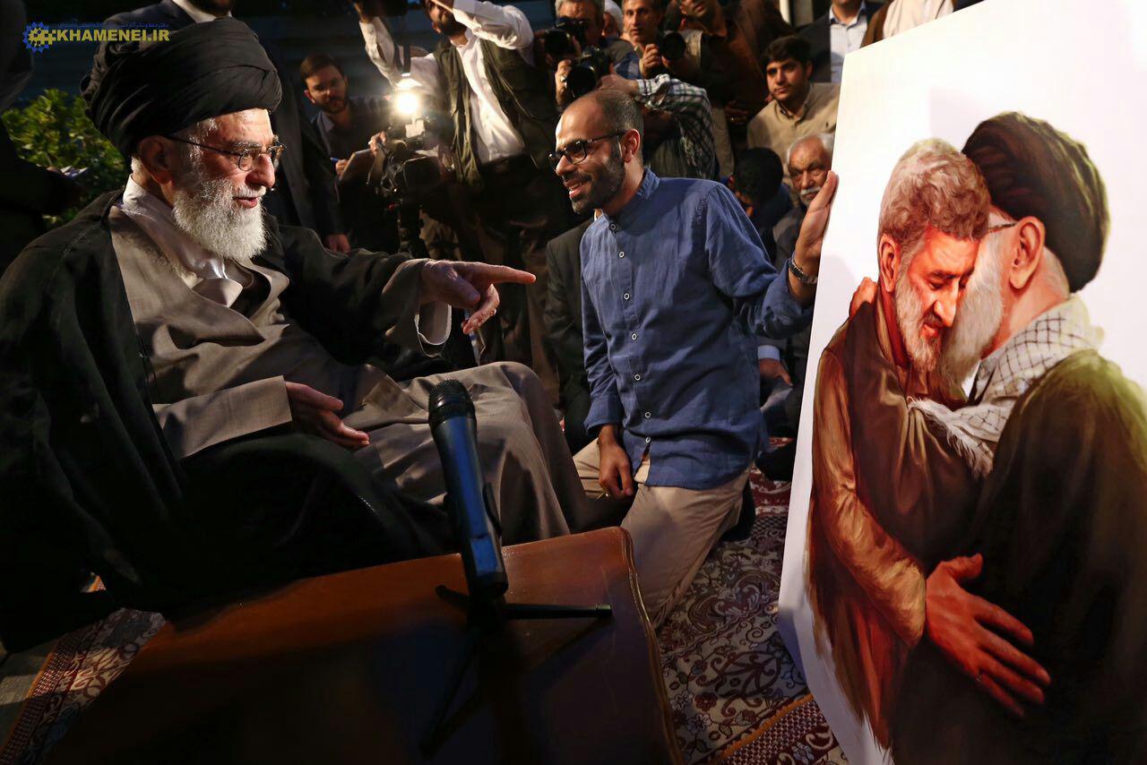 حاج احمد متوسلیان در آغوش رهبری + عکس