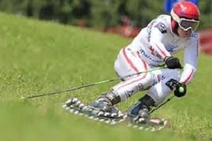 بازدید نماینده فدراسیون جهانی اسکی از پیست دیزین