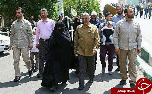 عکس: فرمانده سپاه و همسرش در روز قدس