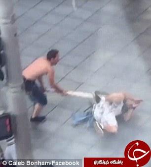 حمله وحشیانه و بدون انگیزه مرد جوان به عابران پیاده/ضارب دستگیر شد+تصاویر