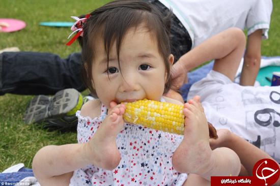 تواناییهای این کودک بدون دست بینظیر است +تصاویر