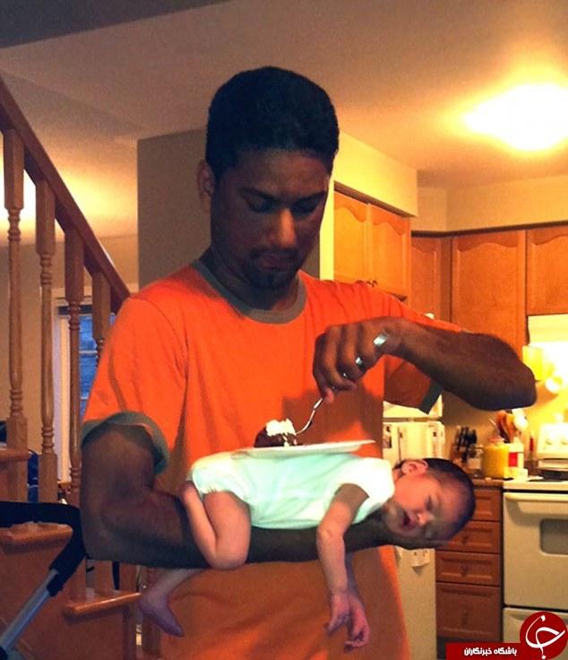 کودک در دست پدر