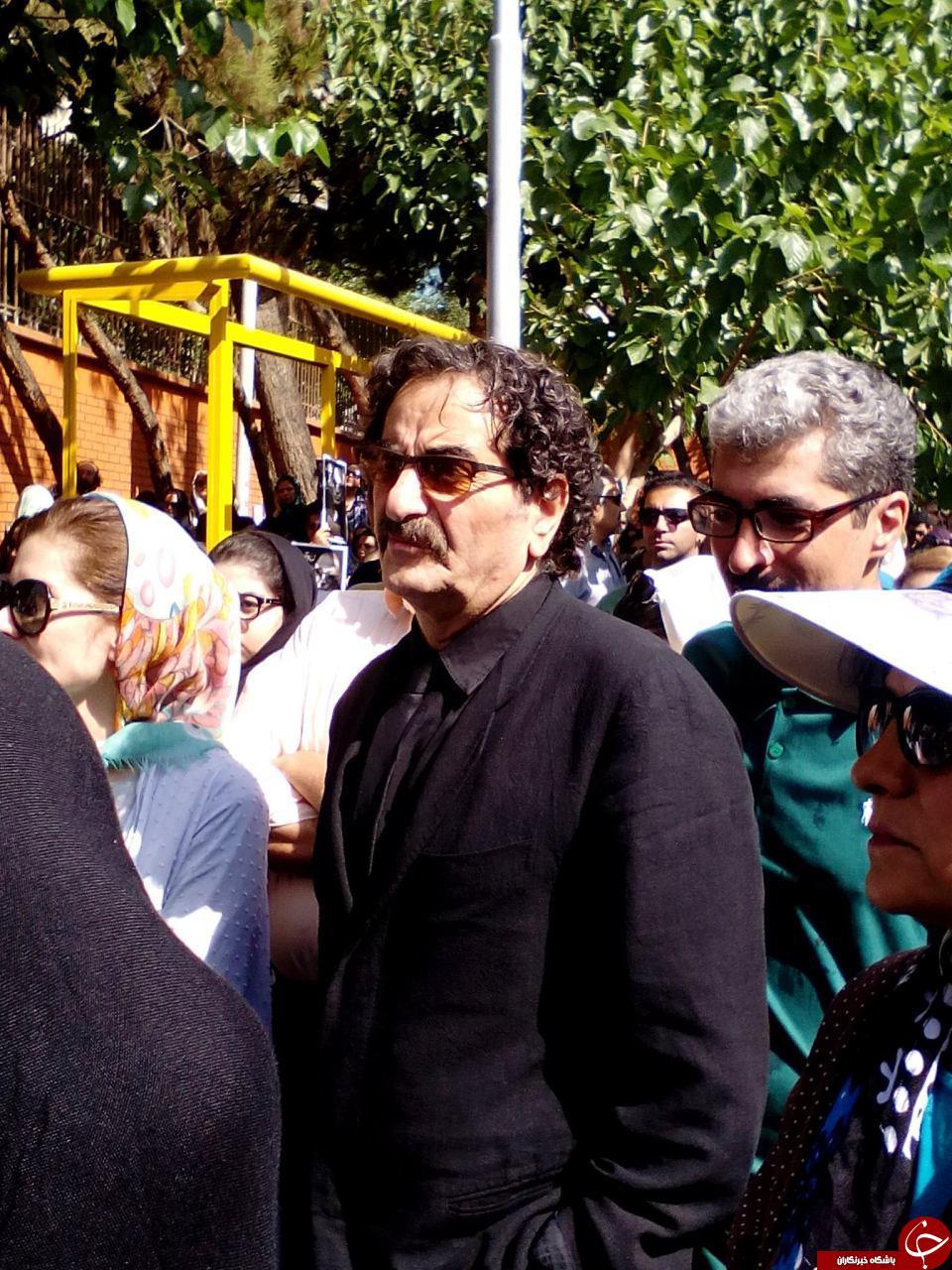 کدام چهره ها به تشییع عباس کیارستمی آمدند