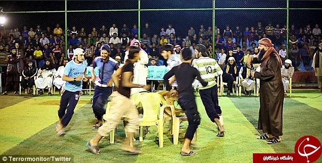 برگزاری بازی های المپیک داعشی در عراق/ از صندلی بازی تا طناب کشی+ تصاویر