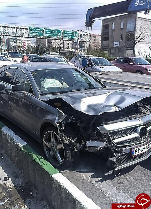 عکس/ تصادف شدید بنز گرانقیمت در تهران