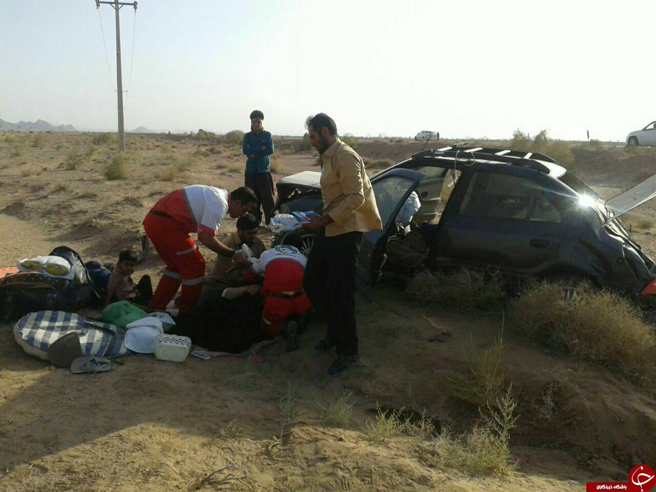 پنج مصدوم در حادثه واژگونی خودرو سمند+ تصویر