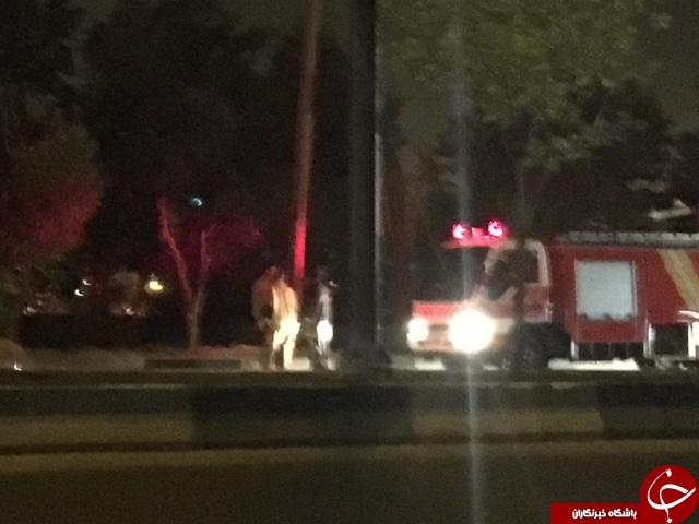 آتش سوزی بیخ گوش پالایشگاه نفت تهران/آتشنشانان در حال اطفای حریق