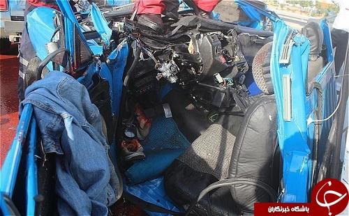 نجات معجزه آسا مرد میانسال از میان آهن پارههای نیسان آبی+تصاویر