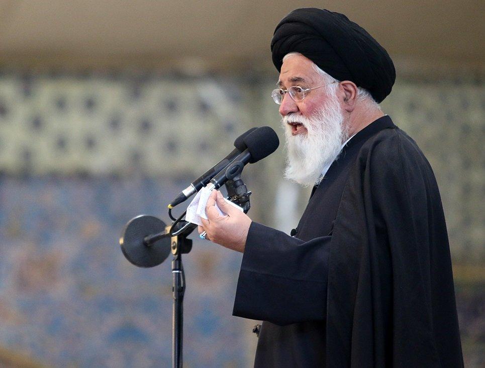 امام جمعه مشهد: مسئله عفاف و حجاب لبه تیز تیغ دشمن بر پیکره دین و اسلام است