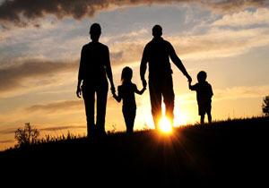 نقش مادر در تربیت کودک بیشتر است یا پدر؟