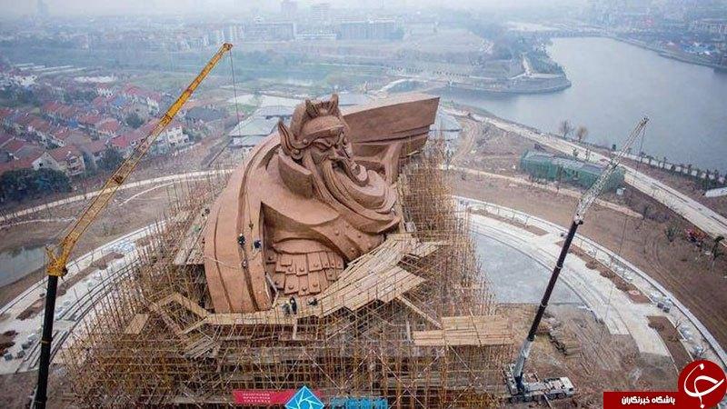 خدای جنگ در برابر مجسمه آزادی +تصاویر