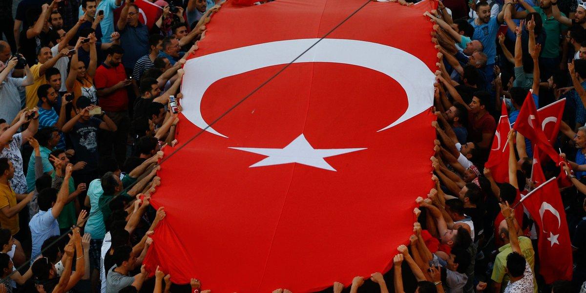 بازداشت معاون اردوغان در ارتباط با کودتای ترکیه/ ارتش: تمام عاملان کودتا بازداشت شده اند