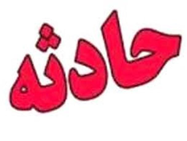 اطفاء آتش انبار 1000 متری چوب در مشهد